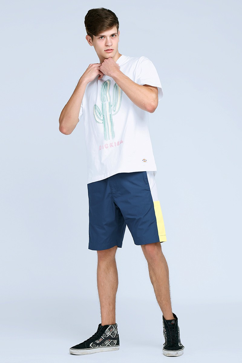 Quần shorts viền dọc hông